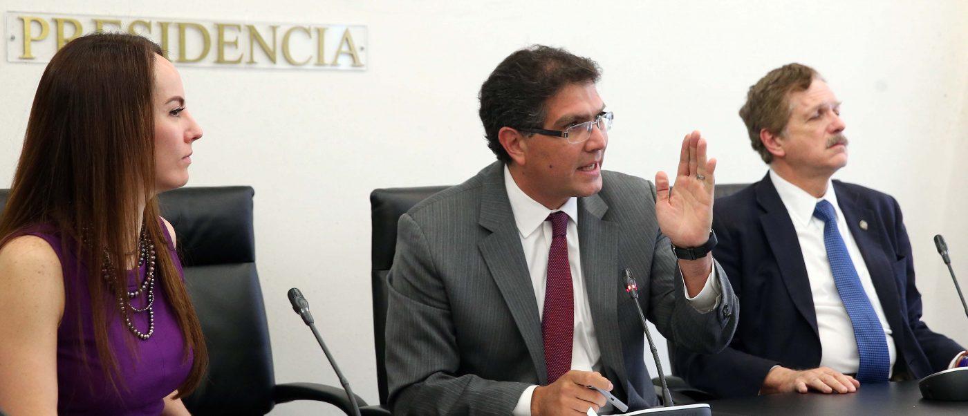 Armando Ríos Piter, senador. (prd.senado.gob.mx)