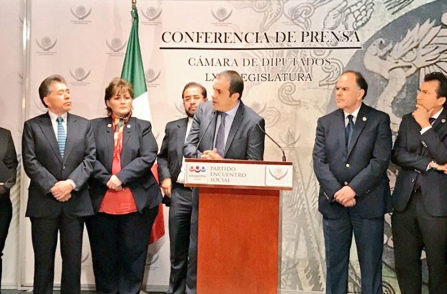 Cuauhtémoc Blanco habla durante una conferencia de prensa en la Cámara de Diputados.