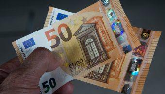Imagen ilustrativa con billetes de 50 euros (Getty Images)