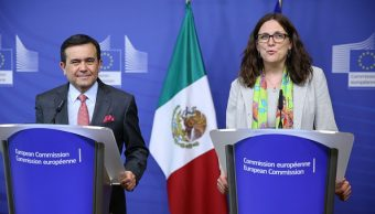 El secretario de Economía, Ildefonso Guajardo Villarreal, y la comisaria de Comercio de la UE, Cecilia Malmström (Getty Images)