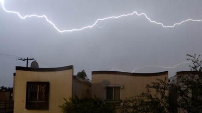 El SMN prevé lluvias en sitios de Baja California, Nayarit y Jalisco para este sábado (Notimex)