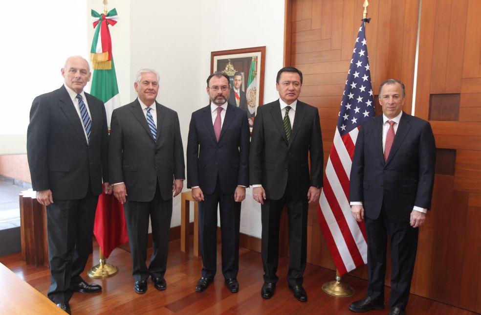 John F. Kelly, Rex Tillerson, Luis Videgaray, Miguel Ángel Osorio Chong y José Antonio Meade en la SRE (Twitter @SRE_mx)