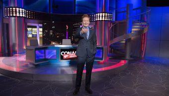 Conan O'Brien conduce 'Made in México'. (Twitter: @Canal_Estrellas)