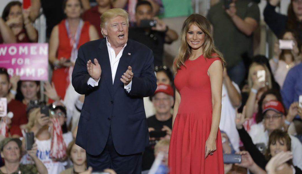 Donald y Melania Trump (AP, archivo)