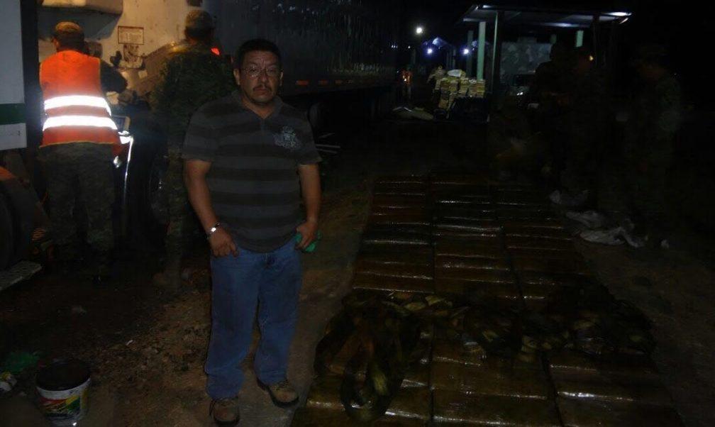 Elementos del Ejército decomisaron cerca de una tonelada de droga en tres acciones distintas en Chiapas.