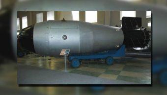 Es una bomba de un peso más ligero que la GBU-43/B, pero con una potencia de explosión 4 veces mayor que el monstruo estadounidense, equivalente a 44 toneladas de TNT. (Youtube / @WorldPolitics)