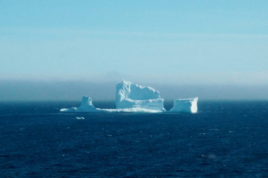 Fotos: Este impresionante iceberg apareció en las costas de Canadá
