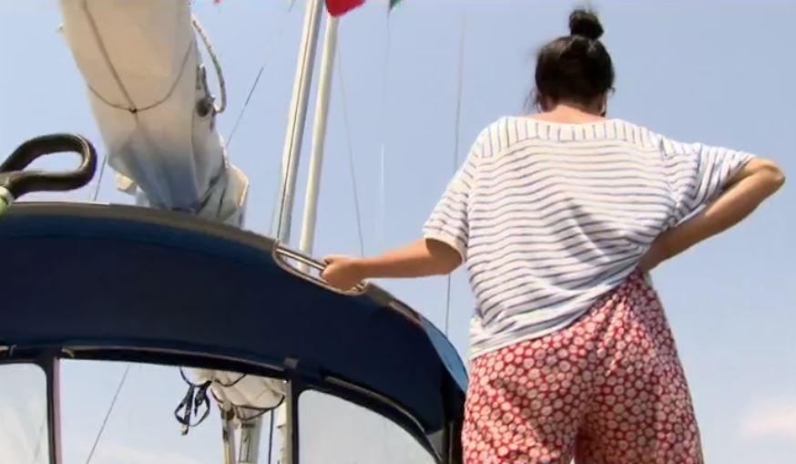 Mujer en el barco de 'Women on Waves', donde practican abortos (Noticieros Televisa)