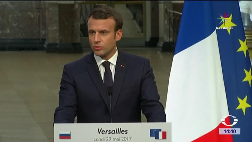 Emmanuel Macron, habla, fuerte, Putin