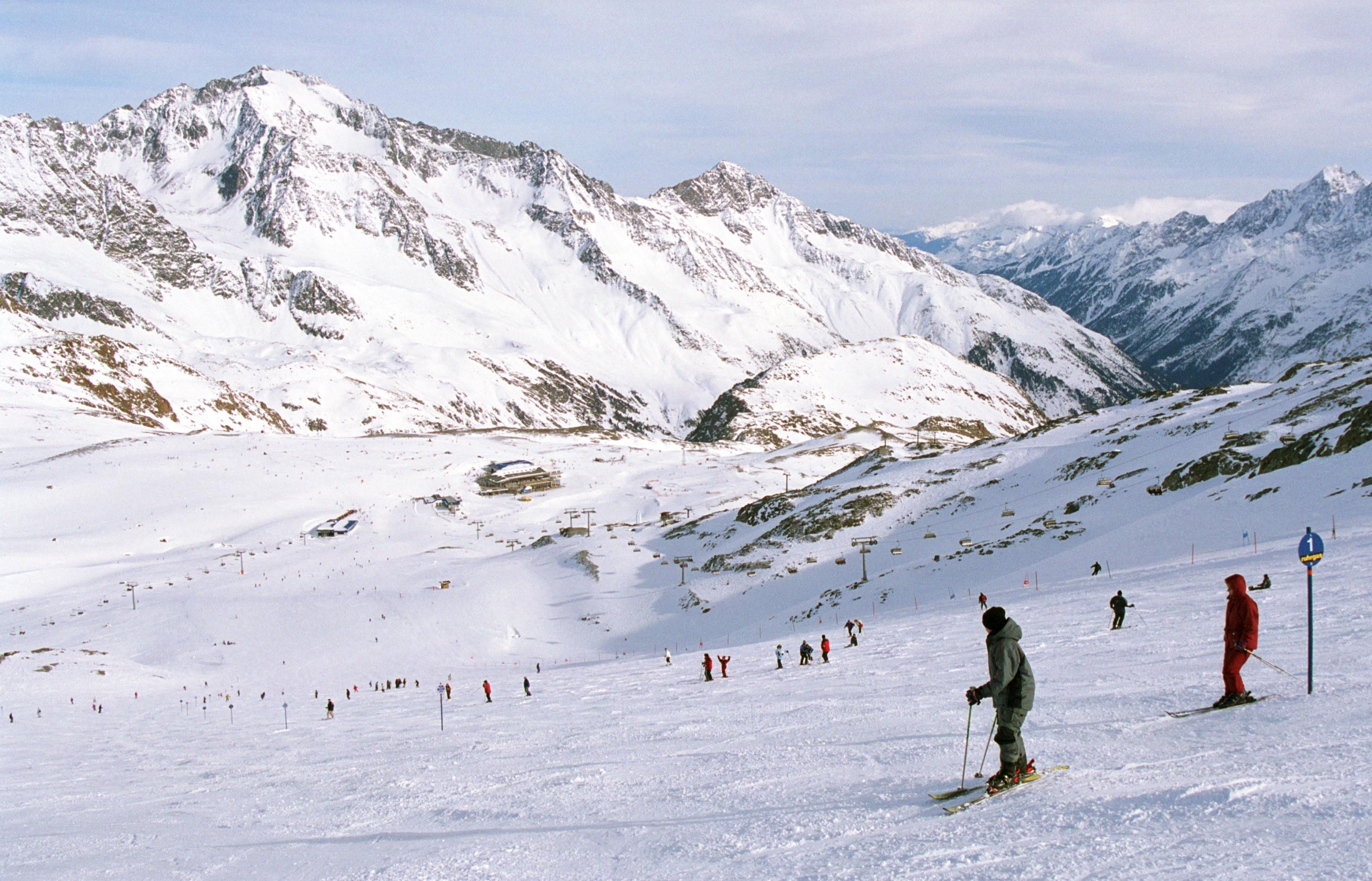 nieve en los alpes suizos
