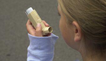niña con asma, broncorespirador, enfermedades respiratorias