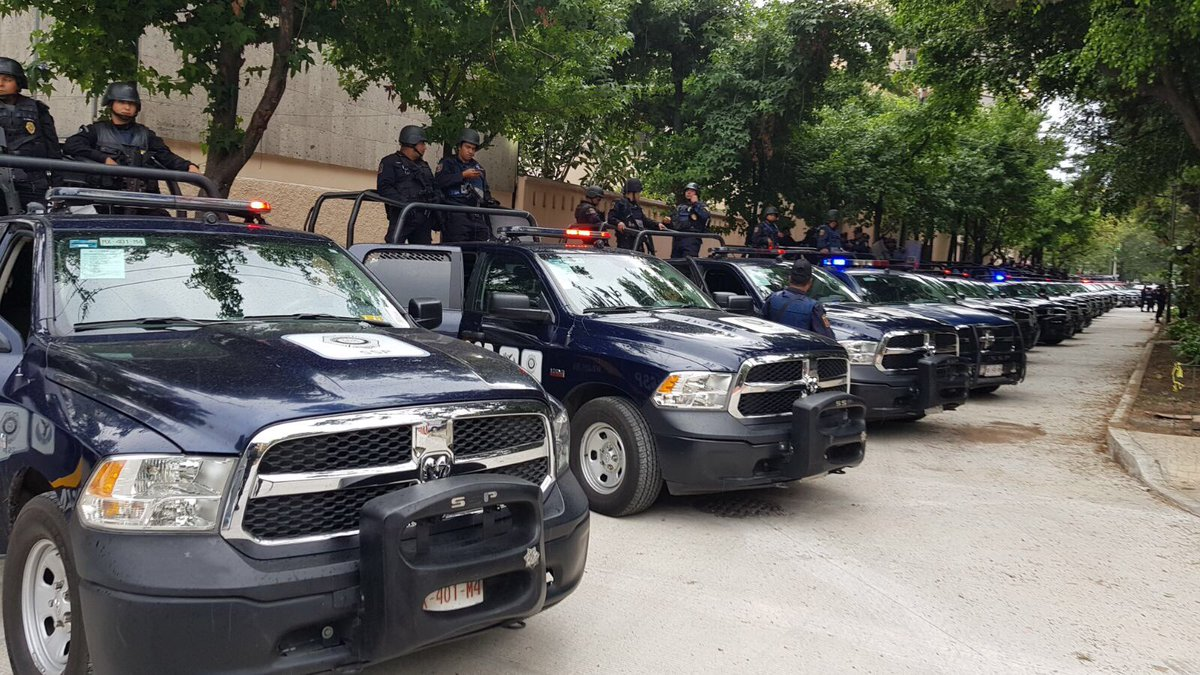 Detienen a sujeto que intentó robar un busto de bronce en la Cuauhtémoc
