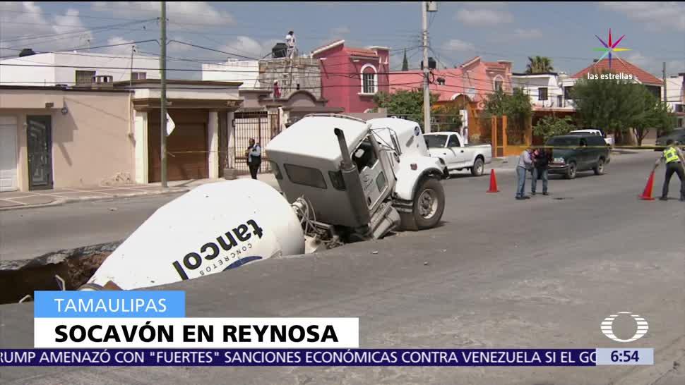 Reynosa, Tamaulipas, socavón de 12 metros. transporta concreto