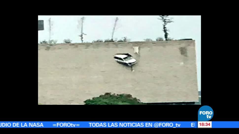 Cuerpos De Emergencia, Rescatan, Auto En Estacionamiento, Bosque De Las Lomas