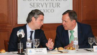Nuño se reúne con el Consejo Directivo de la Concanaco. (Twitter Aurelio Nuño)