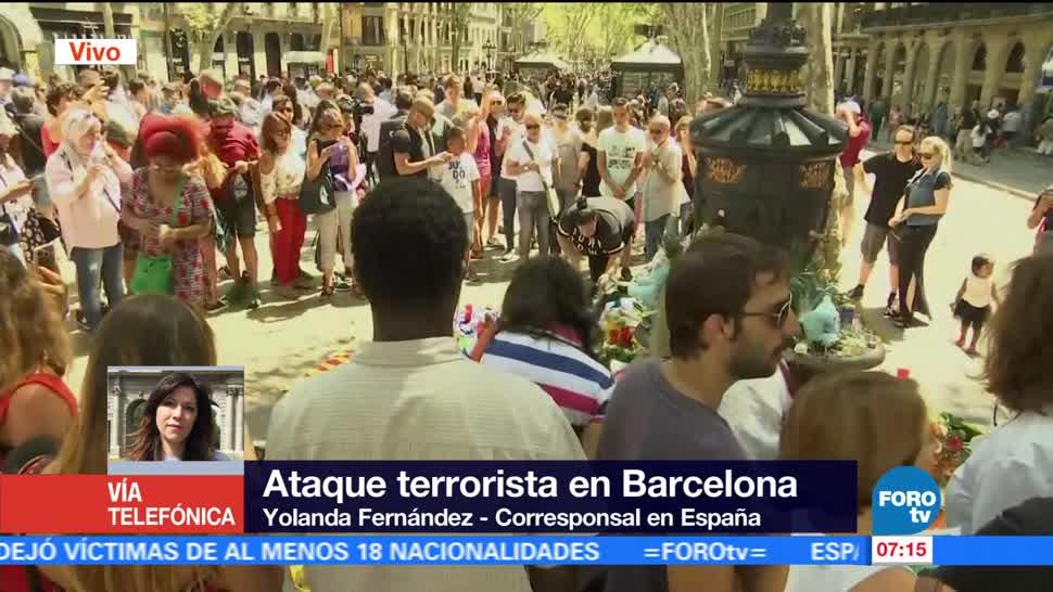 Miles Personas Guardan Minuto Silencio Ataque Terrorista Barcelona