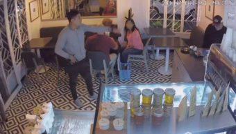 Graban asalto en una cafetería de Coyoacán