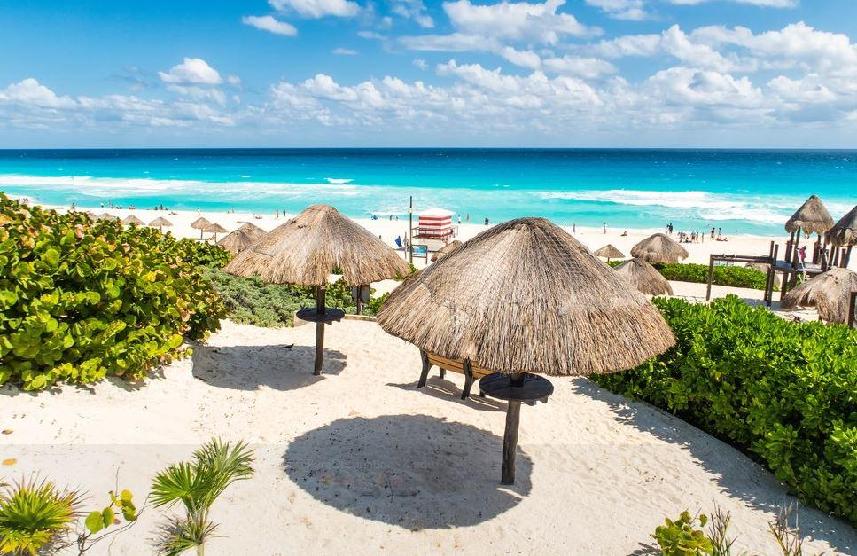 Turistas disfrutan últimos días de vacaciones en playas