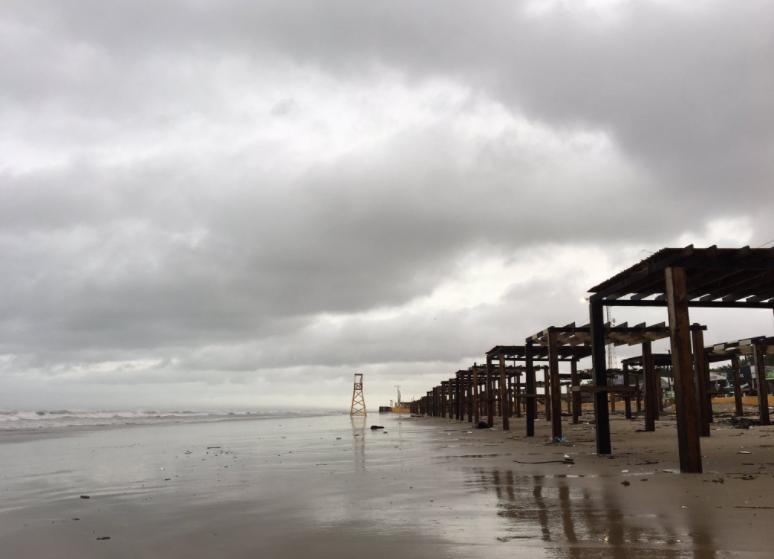 Efectos del huracán 'Harvey' en la playa Bagdad de Matamoros
