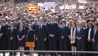 rinden homenaje victimas atentado terrorista cataluna