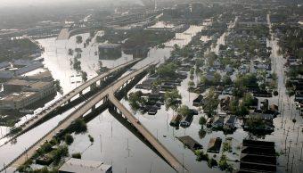 EU padece a 'Harvey' en el 12 aniversario del huracán 'Katrina'