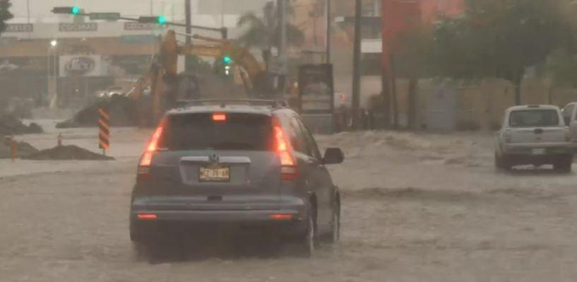 Lluvias intensas en Hermosillo, Sonora, inundan calles