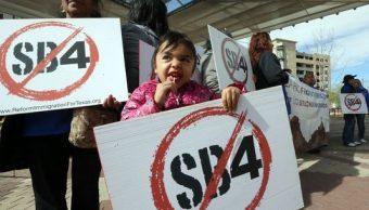 Aumenta temor en comunidad latina en Texas por ley SB4