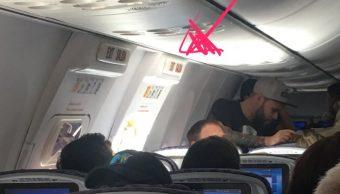 pasajero abre puerta emergencia avion san francisco
