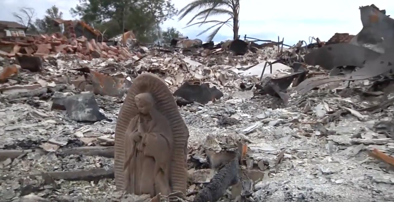 Virgen María, huracán Harvey, estatua, incendio