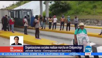 Organizaciones civiles realizan marcha en Chilpancingo