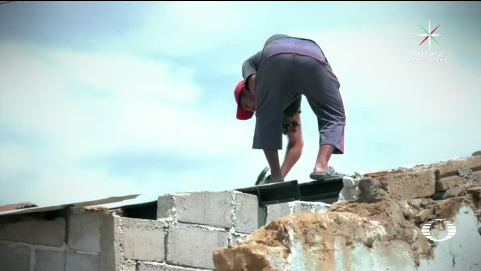 Familia empieza a reconstruir su casa en Chiapas