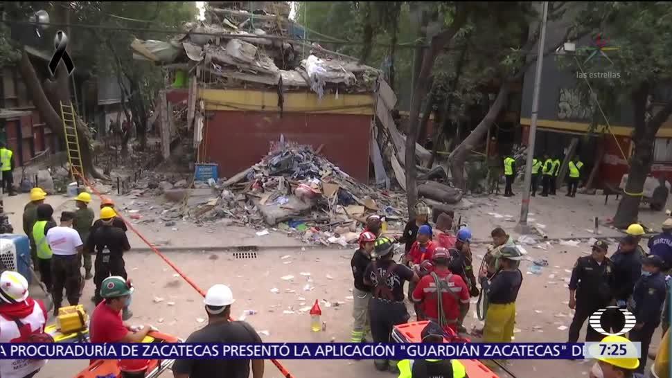 Equipo reducido de rescatistas opera en derrumbe de Tlalpan