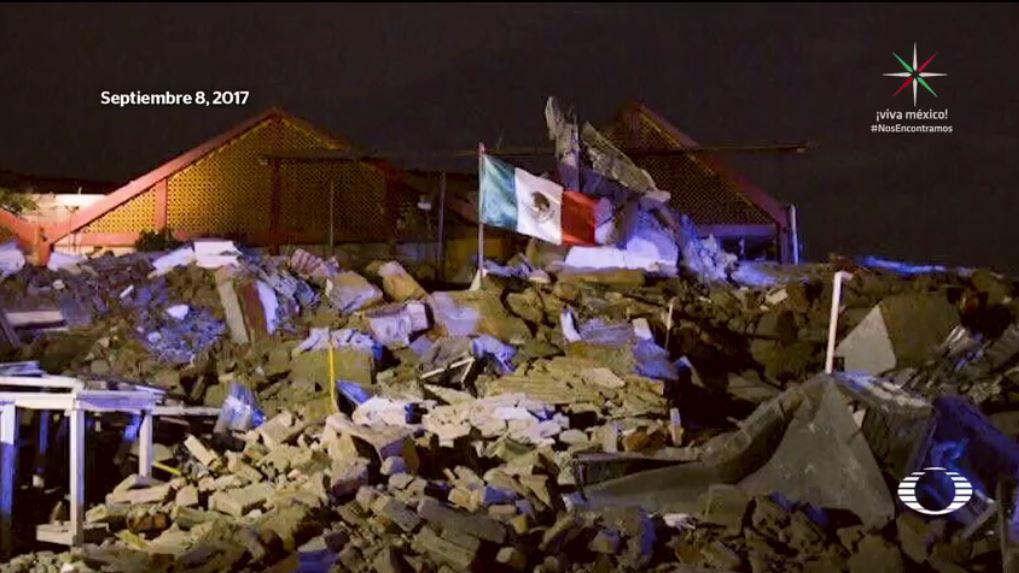 Él es quien rescató la Bandera de México tras sismo del 7S