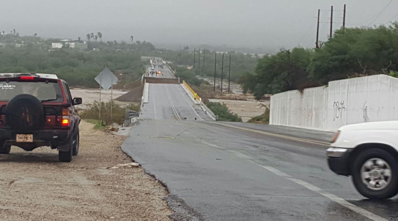 bcs limpieza tormenta lidia cabos california