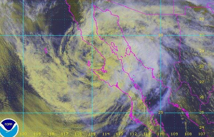 Lluvias provocan cortes carreteros en Mulegé, Baja California Sur