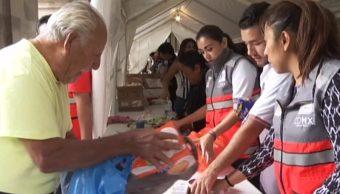 Esfuerzo de muchos mexicanos en los Centros de Acopio de la CDMX