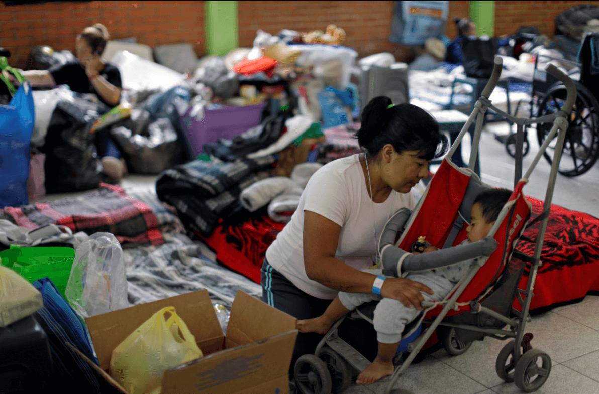 Decenas de personas se encuentran en albergues luego de los sismos