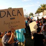 Demócratas piden Trump ampliar plazo que dreamers renueven DACA