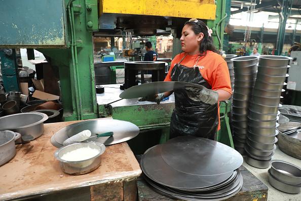 Los pedidos manufactureros aumentan ligeramente en agosto