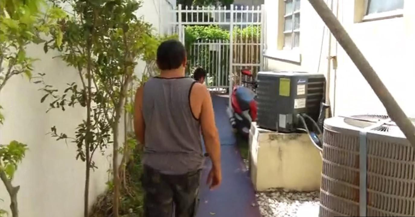 familia de Miami Beach logra regresar a su casa