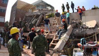 Cientos voluntarios ayudan afectados Colegio Rébsamen sismo