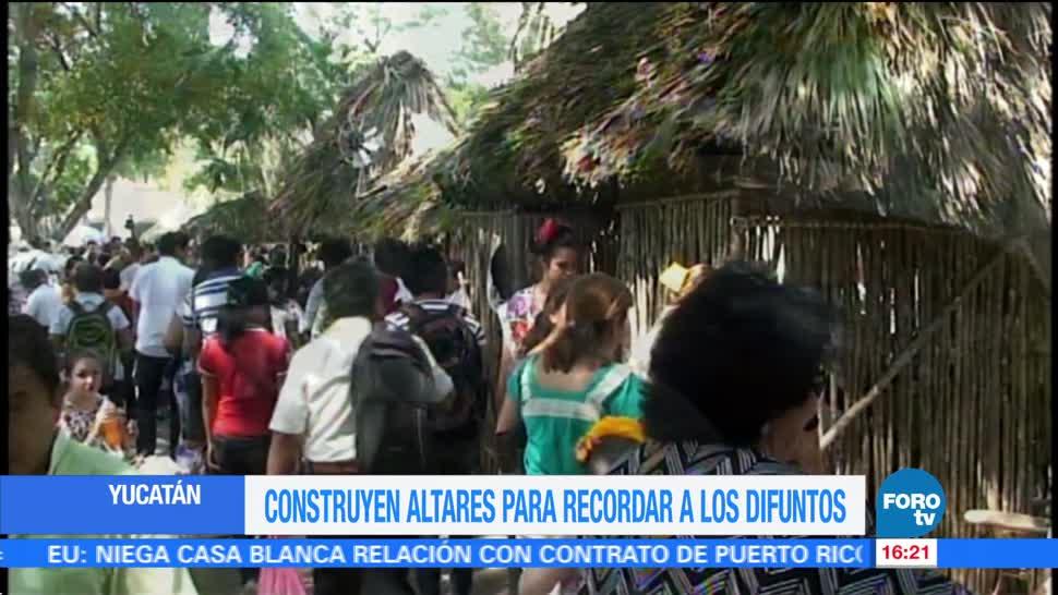Plazas públicas de Yucatán lucen altares para recibir a las ánimas