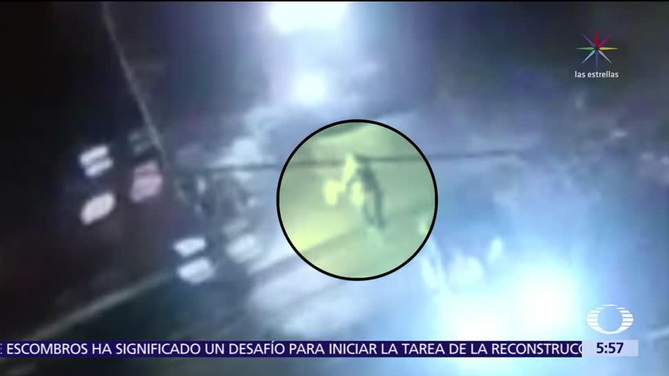 Tren arrolla a pasajera de un taxi en Jalisco