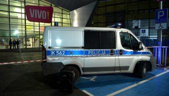 Atacante que mató a mujer en centro comercial polaco tenía problemas mentales