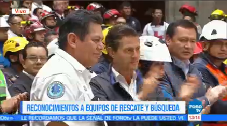 Peña Nieto Entrega Reconocimientos Rescatistas Apoyaron Sismos