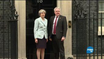 Escándalos sexuales, dolor de cabeza para Theresa May