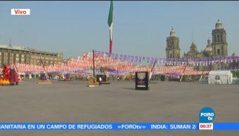 Último día de las ofrendas monumentales en el Zócalo de la CDMX