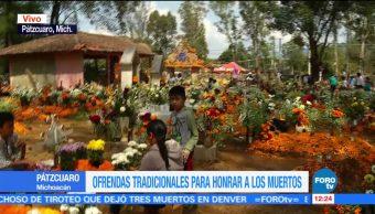 Panteón de Pátzcuaro queda tapizado con flores de cempasúchil
