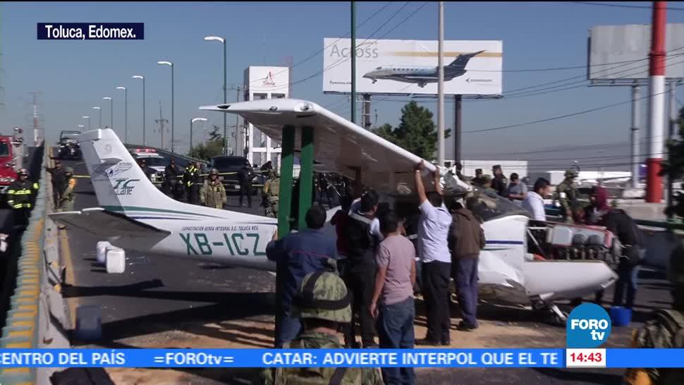Avioneta aterriza de emergencia en avenida de Toluca, Edomex