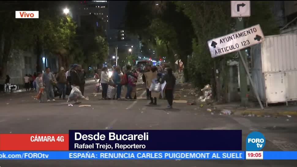 Manifestantes levantan plantón en Bucareli, en el centro de la CDMX